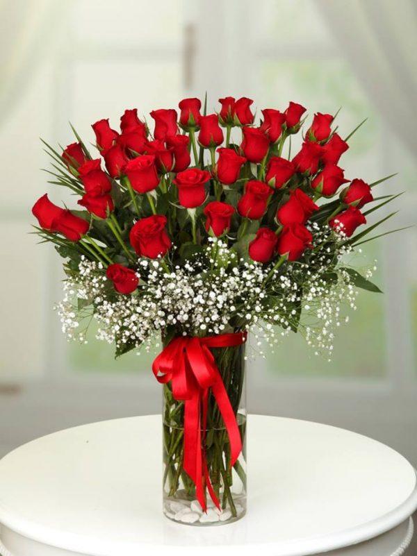güller silindir vazo aranjman kırmızı gül