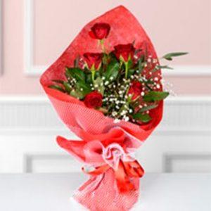 kırmızı gül buketi sevgiliye çiçek