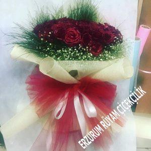 güller sevgiliye yıl dönümü