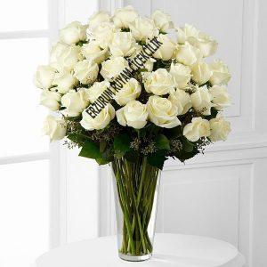 vazoda beyaz sevgi